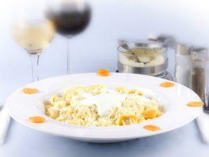 tortellini-con-panna-cubbgjo2