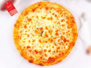 _0000_Pizza Calzone deschisa